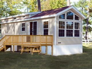 Family Cottage on Chesapeake Bay Resort - Gloucester vacation rentals