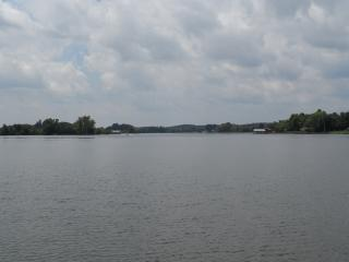 TN RIVER WATERFRONT VACATION HOME!!  DOCK/RAMP - Decatur vacation rentals