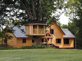 Country Home Getaway - Bolton-Est vacation rentals