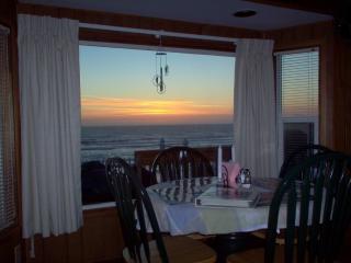 Newport's Oceanfront