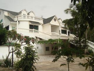 # 7 Senegambia area Aprt # 7 king size bed & doubl - Bijilo vacation rentals