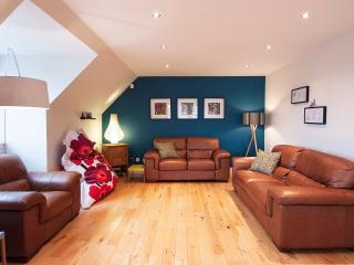 Stunning Penthouse Apartment! - Edinburgh vacation rentals