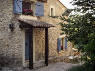 Charming traditional stone house, private pool. - Bagnols-en-Foret vacation rentals