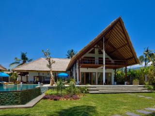 Villa Brongbong Pantai - Buleleng vacation rentals