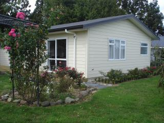 kaimai Sunset B & B - Matamata vacation rentals
