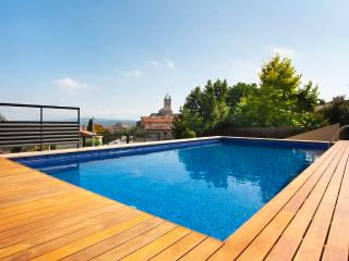 Penthouse overlooking - Castelltercol vacation rentals