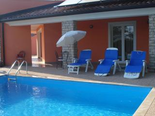 PD1 Entire House with swiming pool for 8 - Umag vacation rentals