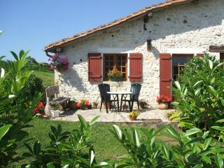 Chez Marot - a quiet Dordogne country retreat. - Varaignes vacation rentals