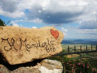 LE GUAZZE BONE - IL MANDORLO romantic getaway - Vetulonia vacation rentals
