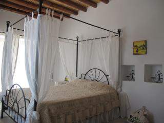 House of Eleni - Kathikas vacation rentals