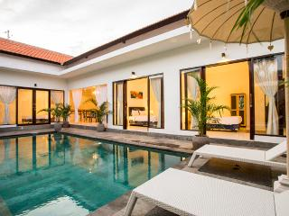 Villa Allegra, Luxury 3 bedroom Villa Oberio - Seminyak vacation rentals