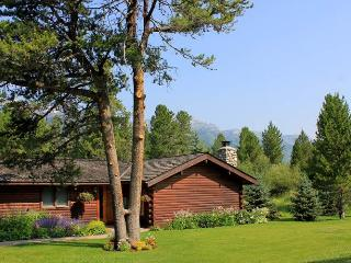 3 bed/ 3 ba- LAKE CREEK CABIN-W/ OPTIONAL 4th BED - Wilson vacation rentals