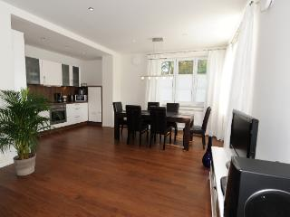 Vacation Apt. Am Kurpark Apt.2 - Garmisch-Partenkirchen vacation rentals