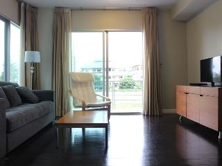 Nice 2 bedrooms beach front  condo, Hauhin, TH - Prachuap Khiri Khan vacation rentals