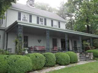 Historic vacation home with spectacular mountain views. Minutes from Main Street Highlands, NC - Highlands vacation rentals