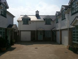 Bo's Holiday Cottage EASTBOURNE TOWN CENTRE - Eastbourne vacation rentals