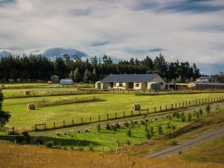 AislingQuoy Farmstay - Amberley vacation rentals