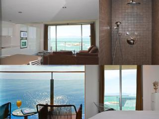 FIRST LINE NEW LUXE APARTMENT - L'Escala vacation rentals