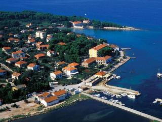 Traditional stone house, for 6 - Island Ugljan vacation rentals