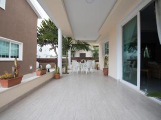 4 bedroom Villa Superior Terrace Beach Oroklini Larnaca - Oroklini vacation rentals