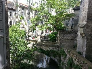 Charming 2 bedroom apartment with beautiful balcony in Avignon old town - Avignon vacation rentals