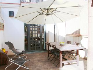 Lovely house with garden, pool, garage, quiet area - Barcelona vacation rentals