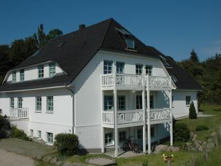 Ferienhaus SchwimmbadSaunaWLAN - Gohren vacation rentals
