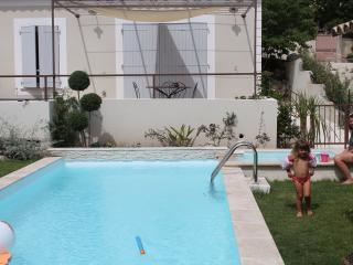 Mas de la Figuiere Vacation Rental with a Grill, G - Maussane-les-Alpilles vacation rentals