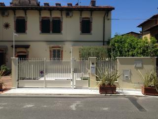 Appartamento lusso: Maison d'Art - Pietrasanta vacation rentals