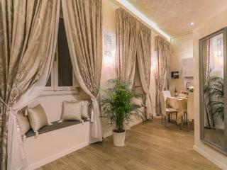 Charm Florence Apartment - Florence vacation rentals