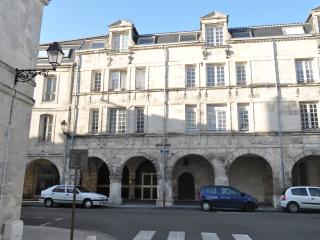 Flat near old port La Rochelle - La Rochelle vacation rentals