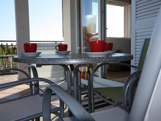 Apartment Lynn - Villa Maslina - Cove Makarac (Milna) vacation rentals