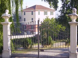 Villa Ovest - Montalto delle Marche vacation rentals