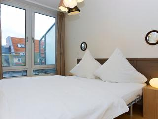 Checkpoint Charlie Vacation Rental in Berlin - Berlin vacation rentals