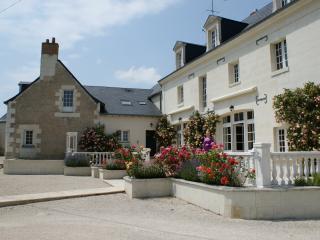 Le Petit Chaume - Crissay-sur-Manse vacation rentals