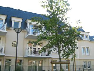 Modern, quiet  apartment in Cabourg with wifi - Cabourg vacation rentals