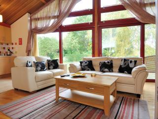 Surlingham Lodge Cottages - Surlingham vacation rentals