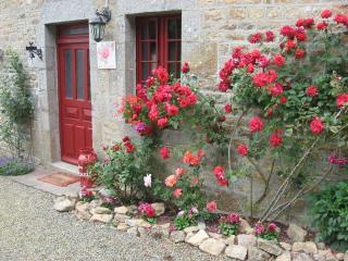 GITES ST MICHEL Cottage Rosier - Manche vacation rentals