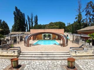 OLIVERAIE DEPAUL - Aigues-Mortes vacation rentals