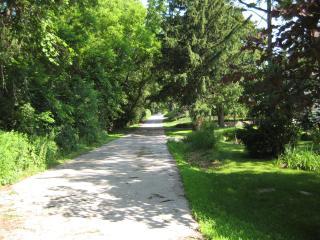 Dundas Charming Cottage - Dundas vacation rentals