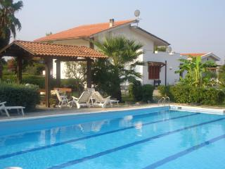 VILLA LUCIA with pool and tennis basket c Brindisi - Brindisi vacation rentals