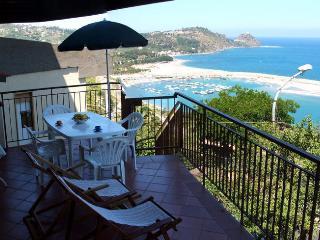 Casa con stupenda vista mare - Capo D'orlando vacation rentals