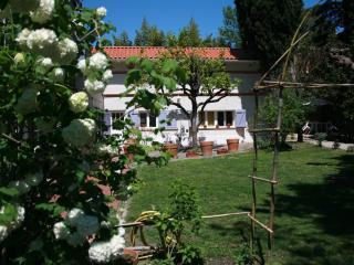 Les Esquirols studio Violette - Toulouse vacation rentals