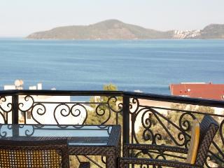 Seaside Park Top Floor A8 - Gulluk vacation rentals