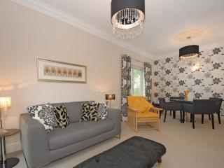 Immaculate two bedroom apartment - Oxford vacation rentals