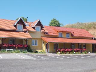 Apartmani Pavlic - Duplex - Plitvice Lakes National Park vacation rentals