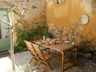 Azille Holiday: Canal, Carcassonne, Narbonne, Wine - Azille vacation rentals