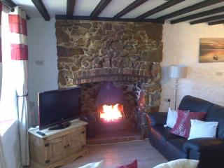 Holiday Cottage In Anglesey - Rhosneigr vacation rentals