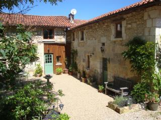 Chez Hodgkiss-'The Stables' - Brantome vacation rentals