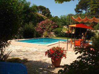 Jolie villa provençale,piscine privée,jardin,calme - Marseille vacation rentals
